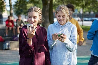 Слуховые аппараты для подростков соединяются со смартфонами